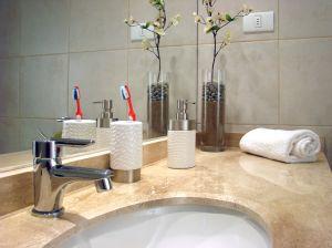 1195870_bathroom